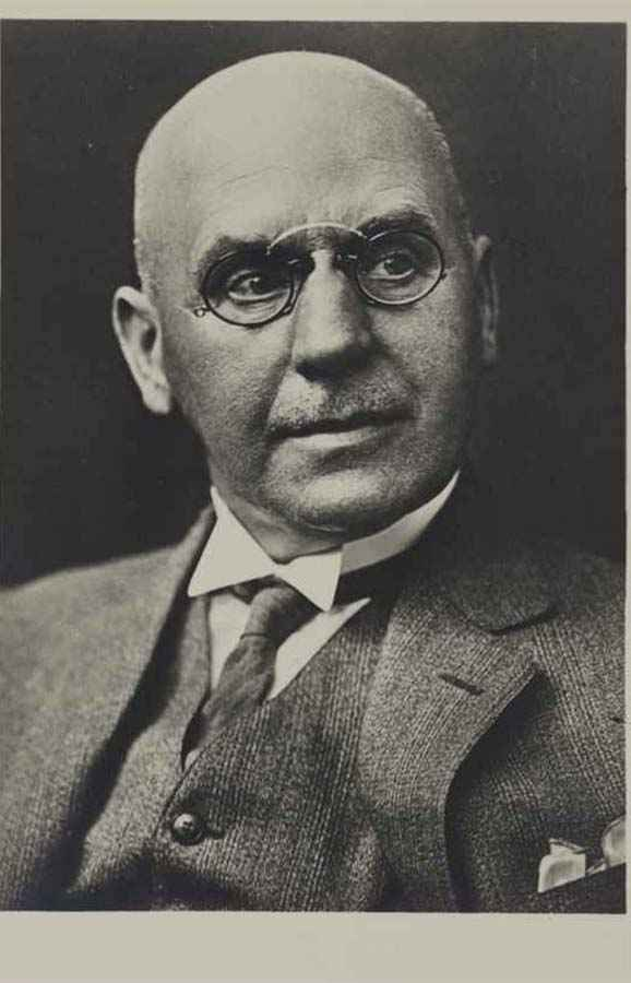 ERHARD RIECKE (1869–1939) Professor of Gynaecology and Dermatology