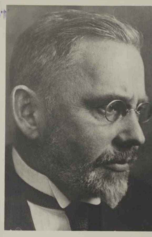 MAX VOIT (1876–1949) Professor of Anatomy