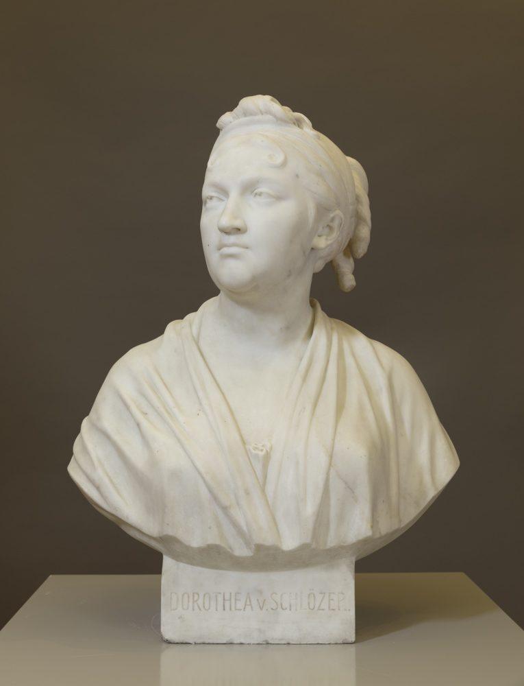 """Büste der Dorothea Schlözer (1770-1825), eine der sog. """"Universitätsmamsellen"""" , Nach Jean-Antoine Houdon, o. Datum, Marmor, Höhe 61,5 cm, Kunstsammlung der Universität, o. Inv.Nr."""